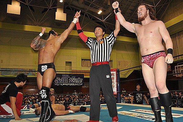【新日本プロレス】リコシェ&フィンレーがオスプレイ&外道を下し、「Super Jr. Tag Tournament」準決勝へ進出! 10月25日(火)豊橋大会