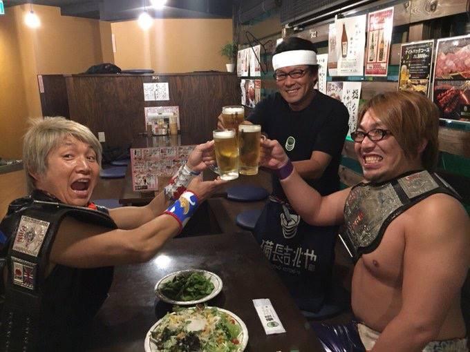 【プロレスリングZERO1】日高&菅原がベルト奪取の祝勝会!6.22後楽園大会で鼓太郎&ショーンに勝てばボーナス、負けたら減給!