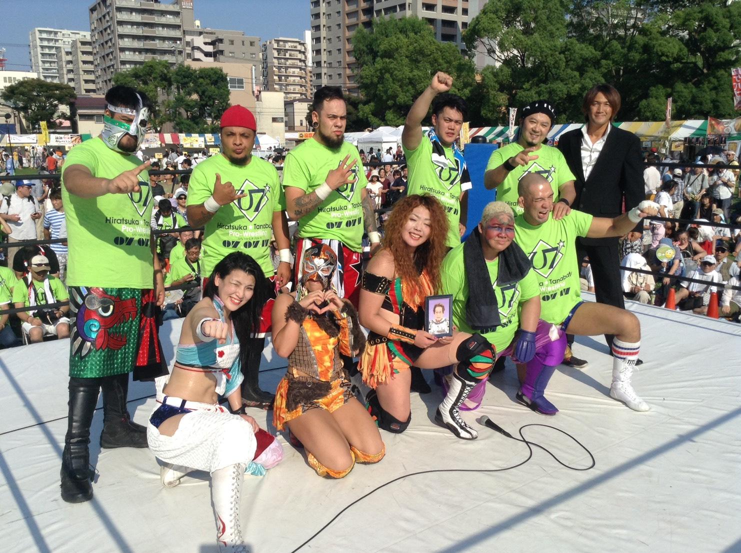 本日開催『七夕プロレス』は超満員の観客の中、アジャコングとタッグの松本浩代が東海道落としで勝利!
