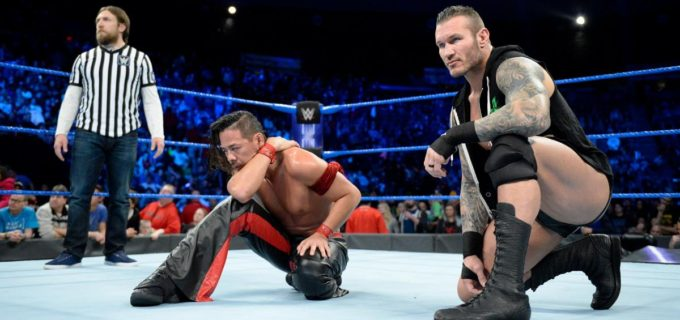 【WWE】PPV直前、中邑真輔がオーエンズに敗戦/AJスタイルズがマハルの企みを見破る