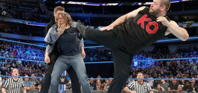 【WWE】ブライアンGM、オーエンズ&ゼインに解雇通告で波乱