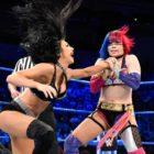 【WWE】アスカ、スマックダウンデビュー戦!ベッキー・リンチと組んでアイコニックス相手に手痛い敗戦スタート。