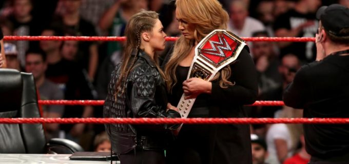 【WWE】ロンダ、王者ナイアと調印式で火花
