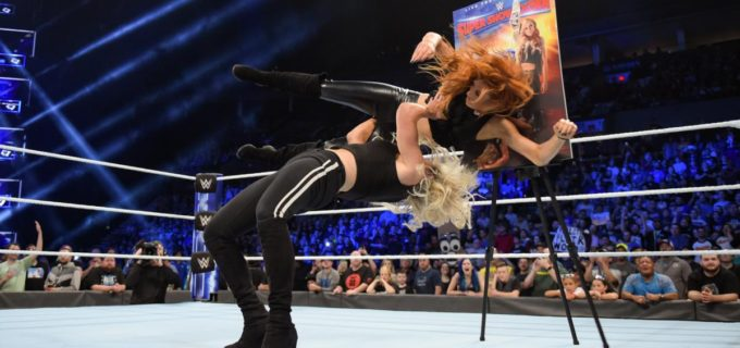 【WWE】特製ポスター公開の王者ベッキーをシャーロットが襲撃
