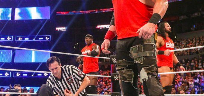 """【WWE】""""巨獣""""ストローマンがチームスマックダウンを粉砕"""