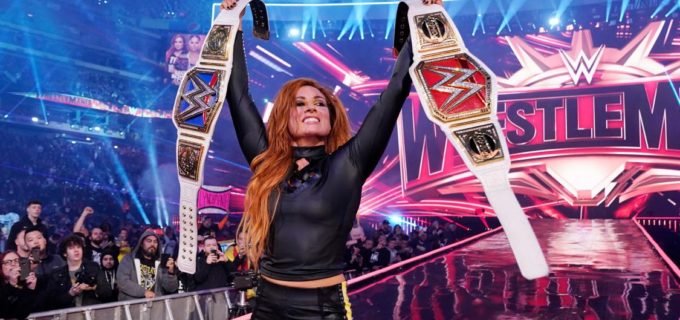 【WWE】ベッキーが歴史的勝利!ロウ&スマックダウン女子王者が誕生