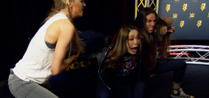 【WWE】紫雷イオがMMAフォー・ホースウィメンの奇襲で報復される