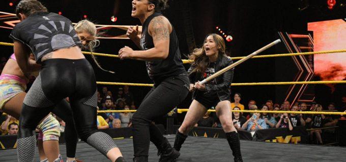 【WWE】紫雷イオが竹刀振り回して王者シェイナを滅多打ち!