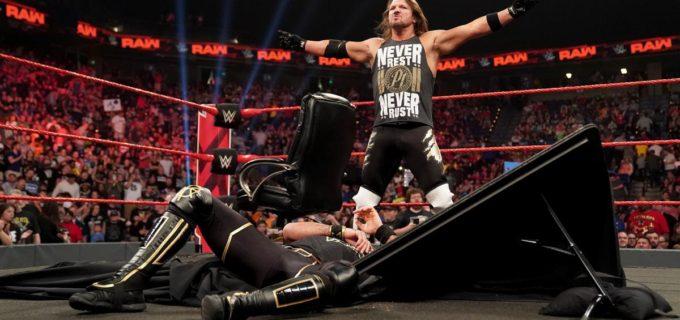 【WWE】AJスタイルズと王者ロリンズが調印式で乱闘