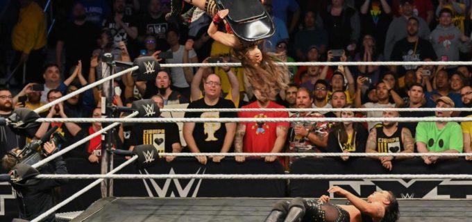 【WWE】紫雷イオ、王座奪取にあと一歩届かず!竹刀攻撃で王者襲撃!