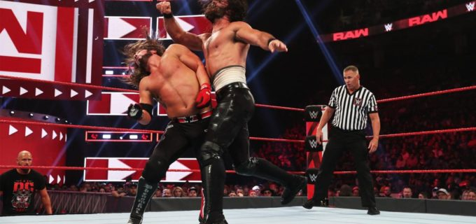 【WWE】The OCがロリンズに暴行もリコシェ&ストローマンが救援
