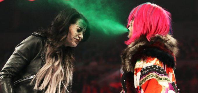 【WWE】アスカがペイジに裏切りの毒霧噴射!カイリはベッキーにタップ負け!