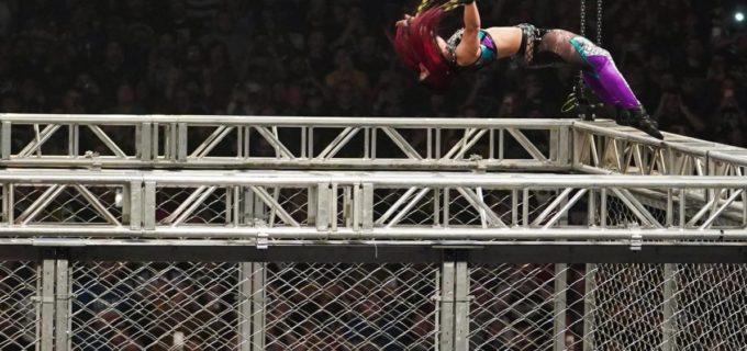 【WWE】紫雷イオがケージ上から豪快ムーンサルトもウォーゲームズ戦で逆転負け