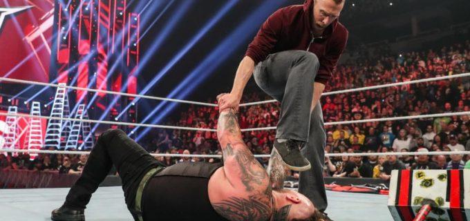 """【WWE】ブライアン、ワイアットを蹴散らして""""イエス""""チャントを連呼"""