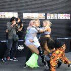 【スターダム】<12/8@新木場大会>葉月vsジュリア戦の後、リングに乱入した木村花とジュリア が場外からさらに駐車場まで飛び出る大乱闘!女同士の闘いはどこまで続くのか…!?
