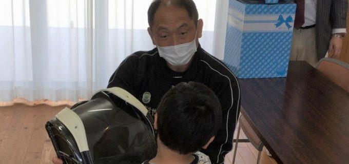 【ZERO1】大谷晋二郎が児童養護施設にランドセルを寄贈