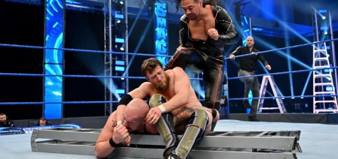 【WWE】中邑が再びコービンに加勢してブライアンにキンシャサ弾