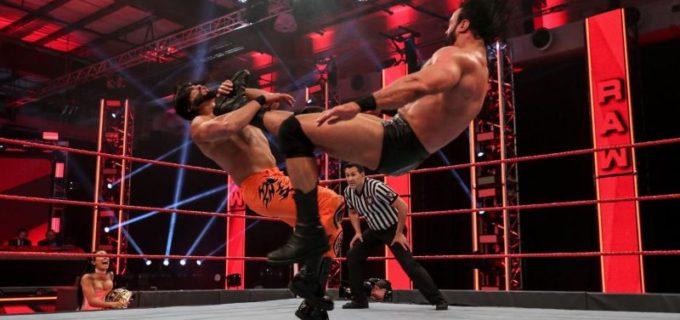 【WWE】WWE王者マッキンタイアがクレイモア連打で向かう所敵なし