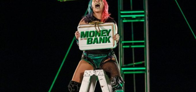 【WWE】アスカがMs. MITBの快挙!ブリーフケースを奪取して女子MITBラダー戦を制す