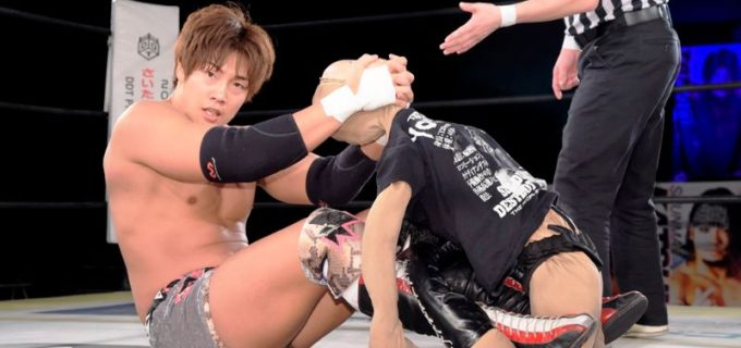 【DDT】「オールアウト」大将の竹下幸之介が人形ヨシヒコに敗退!アキヒロ出現で、その抗争は新たな局面へ発展か?