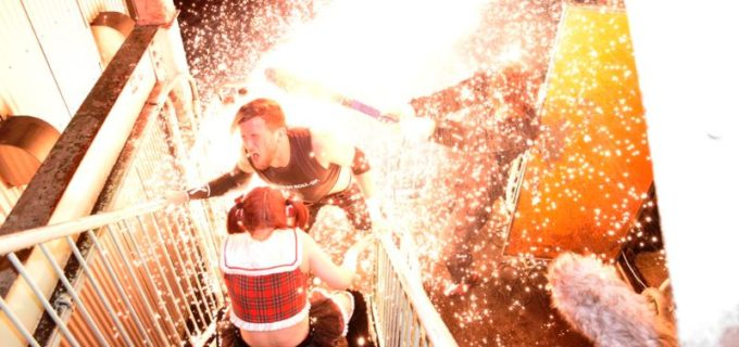 【DDT】大仁田厚が渋谷の中心で勝俣を衝撃の電流爆破葬!DDTがABEMA制作拠点で路上バトル!斉藤に「オマエは便所でやったことがあるだろ!?」
