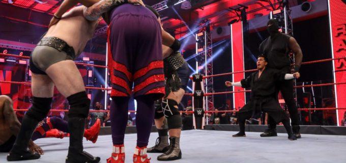 【WWE】バイキング・プロフィッツ&ビック・ショーが戸澤率いる忍者軍団を撃破