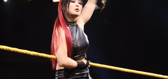 【WWE】「これが私のNXTだ」新王者紫雷イオがWWE女子タッグ王者を追い払う