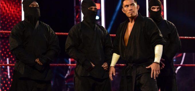 """【WWE】""""忍者""""戸澤とRトゥルースが王座戦もシェイナの威圧でリング退避"""