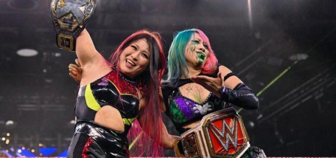 【WWE】女子王者が勢ぞろい!紫雷イオがアスカの毒霧アシストで強敵サーシャ・バンクスを撃破!