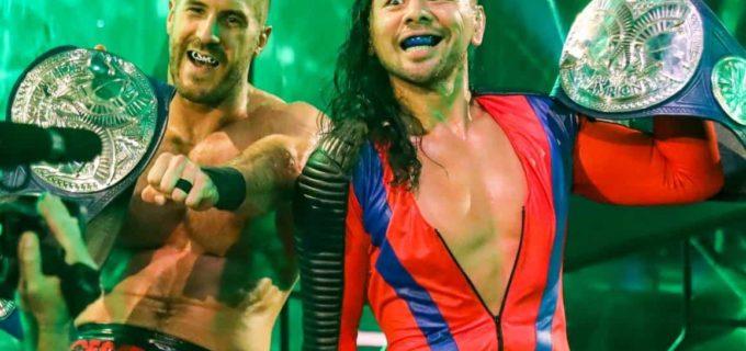 【WWE】中邑真輔&セザーロがSDタッグ王座を初戴冠!キングストンをスーパーパワーボムでテーブル葬