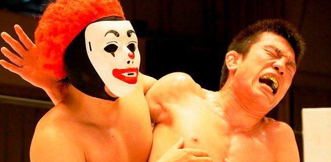 【DDT】青木真也が異色のマスクマン魔苦・怒鳴門を下し、EXTREAME級王座V4!