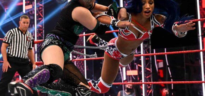 【WWE】アスカがカイリ救出によるリングアウトで王座奪還ならず