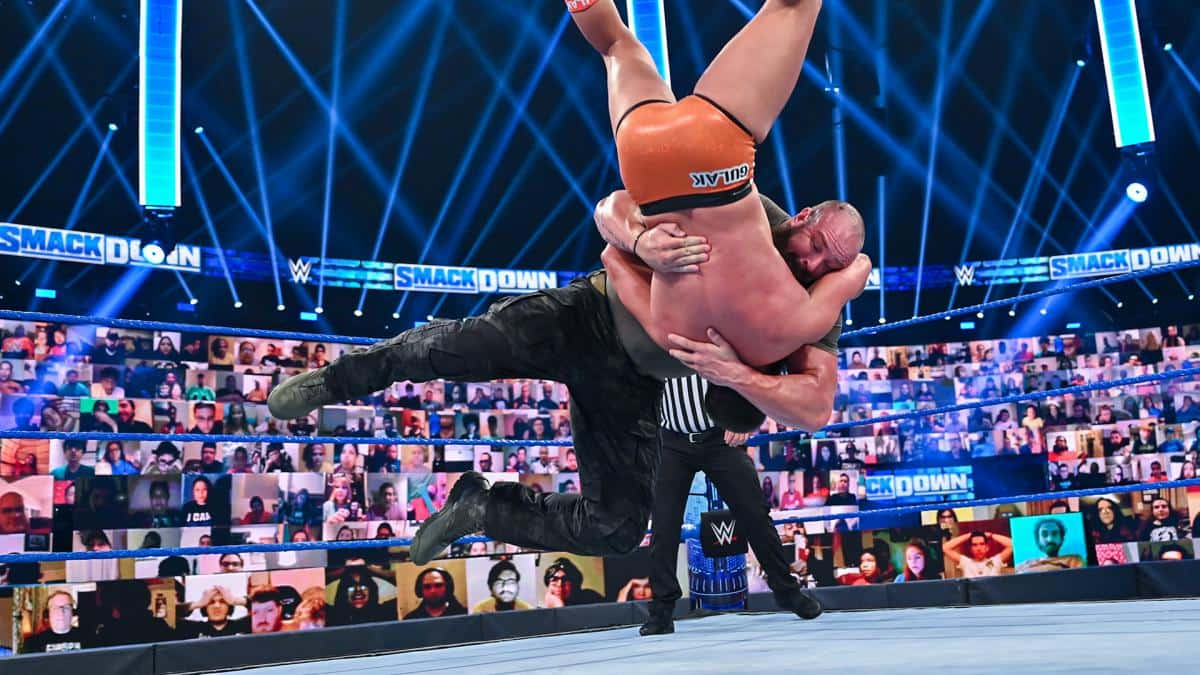 WWE】ポール・ヘイマンがローマン・レインズの横にサプライズ登場 ...