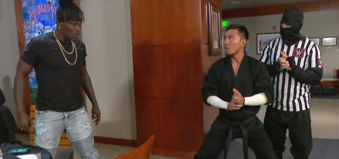 """【WWE】""""忍者""""戸澤がレストランで王者Rトゥルース襲撃も取り逃がす"""