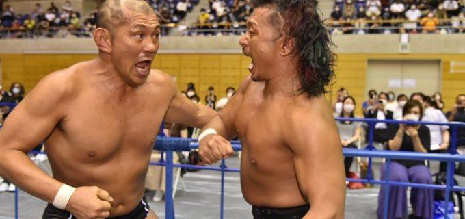 【新日本】NEVER無差別級を掛けて争った前王者・鷹木と新王者・鈴木が互いにヒートアップ!