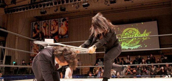 【DDT】11.3大田区でのKO-D無差別級王座戦の調印式は、挑戦者・佐々木大輔が王者・遠藤哲哉をKOし大混乱!