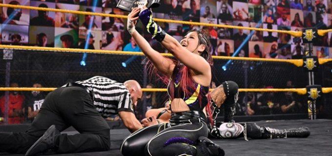 """【WWE】「これはまだ私の物だ」紫雷イオがリアとの""""新旧王者対決""""を制して王座防衛"""