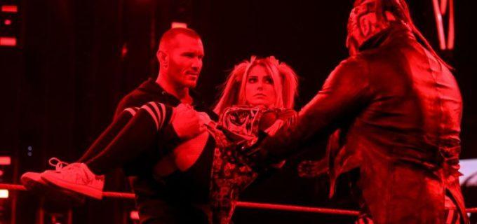 """【WWE】""""毒蛇""""オートンが""""悪魔""""フィーンドの弱点を発見"""