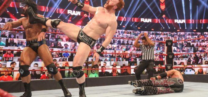 【WWE】王者マッキンタイアが盟友シェイマスの誤爆でAJらとのハンディキャップ戦に敗退