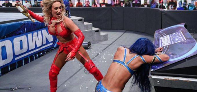 【WWE】カーメラがシャンパンボトル強打でサーシャを失神KO