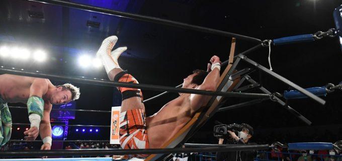 【新日本】ノーDQマッチでオスプレイが小島を撃沈!「これからのニュージャパン・プロレスリングを引っ張っていくのは、ジ・コモンウェルス・キングピンだ」