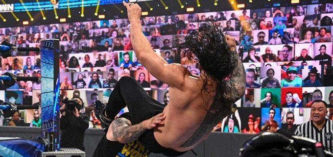【WWE】オーエンズが王者レインズを強襲してポップアップ・パワーボム葬