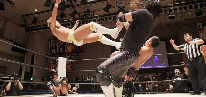 【DDT】元全日本・岡田佑介、秋山準が所属する「準烈」軍とのトリオでDDTマット初陣飾った!