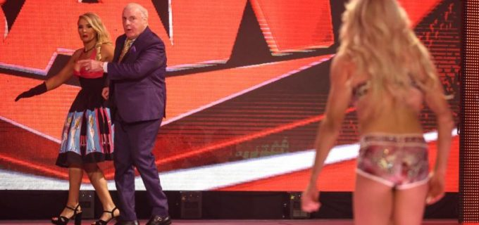【WWE】父リック・フレアーの妨害が止まらない!アスカ&シャーロットがタッグ王座挑戦権を逃す