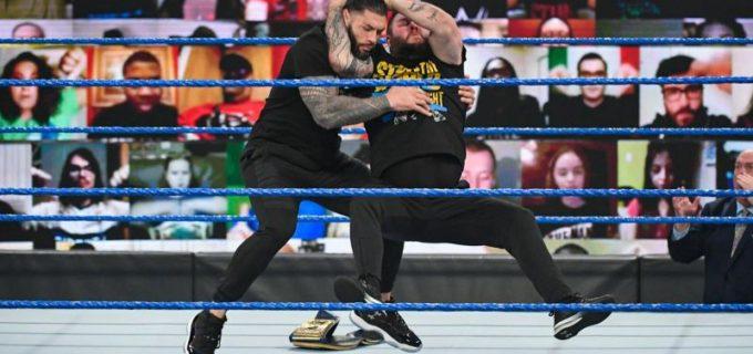 【WWE】オーエンズがRR覇者エッジと対峙した王者レインズをスタナーで襲撃KO