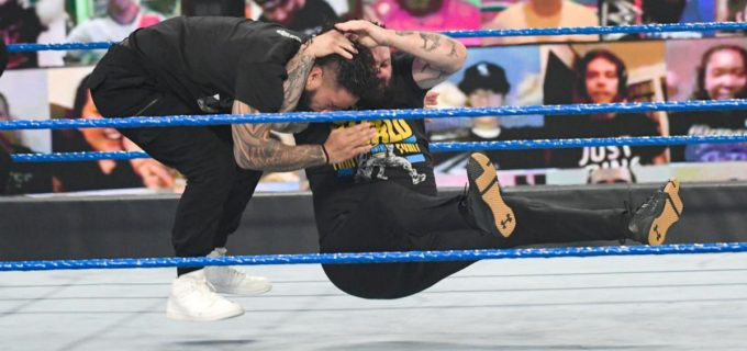 【WWE】EC戦出場のオーエンズが「まだ終わってないぞ」と王者レインズを挑発