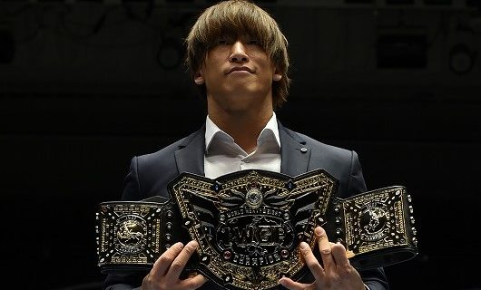 【新日本】飯伏幸太にIWGP世界ヘビー級王座のベルトを贈呈!