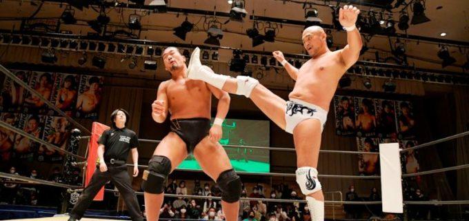 【DDT】KO-D無差別級王座前哨戦で秋山準と樋口和貞が一歩も譲らず両軍リングアウトに!
