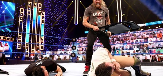 【WWE】祭典のユニバーサル王座戦がトリプルスレットに!怒りのエッジがパイプ椅子攻撃で暴走