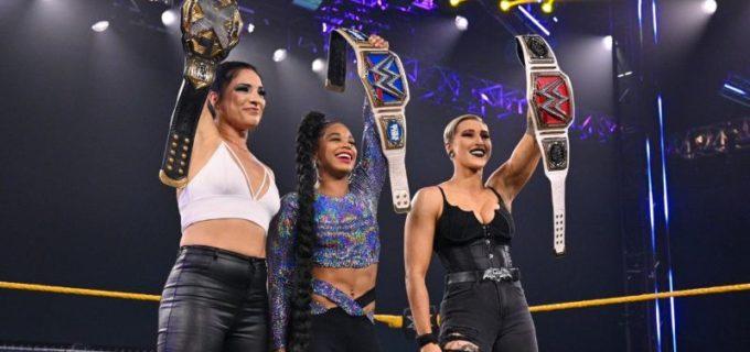 【WWE】ラケル、リア、ビアンカ、NXT出身の新女子王者3人が集結して王座戴冠を祝福